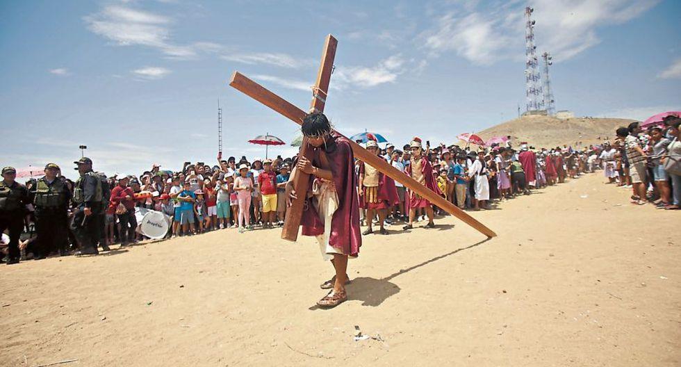 Esta es una foto del Vía Crucis en Reque. (NadiaQuinteros/Perú21)