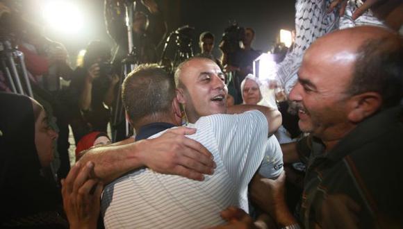 Familiares se mostraron emocionados. (AFP)
