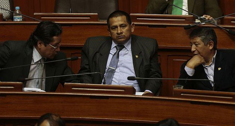 Gana Perú se quedó con 26 congresistas tras renuncia de Walter Acha. (César Fajardo/Perú21)