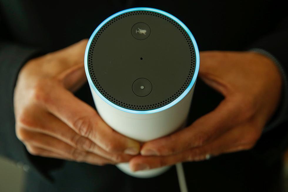 Los asistentes virtuales ya comenzaron a llegar a nuestros hogares a través de diferentes dispositivos, pero sobre todo a través de 'speakers' (parlantes inteligentes) que son controlados por comandos de voz.
