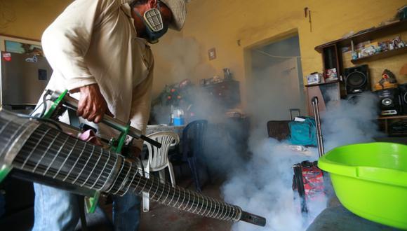 Se busca tomar medidas para evitar el avance del dengue.