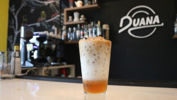 En base a café, en Duana Coffee Bar preparan bebidas impresionantes como Canela Iced Latte.  (Foto: Katherine Fernández)