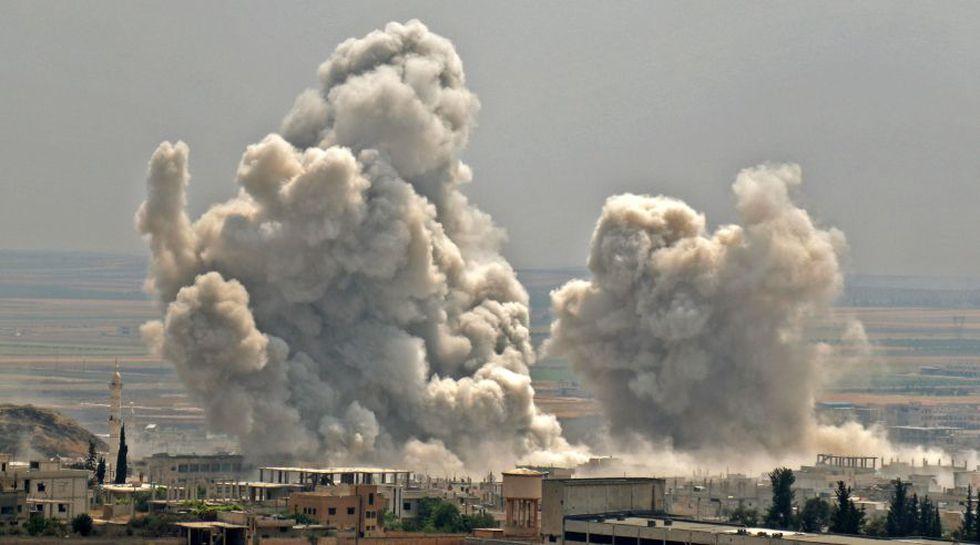 Esta sanción fue emitida luego de que el lunes, bombardeos del régimen sirio y Rusia dejaran 25 muertos, entre ellos 7 niños. (AFP)