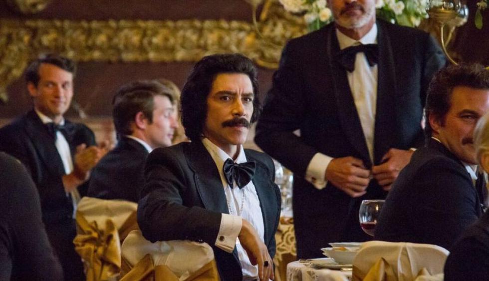 En 'Luis Miguel, la serie', padre del cantante mexicano se muestra timador, ególatra y controlador. Por eso se ha convertido en uno de los personajes más odiados del público mexicano. (Netflix)