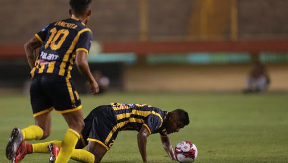 Universitario fue sancionado con dos UIT, sin embargo, la pérdida de tres puntos de Sport Rosario los favorece en la tabla acumulada del Descentralizado. (Foto: USI)