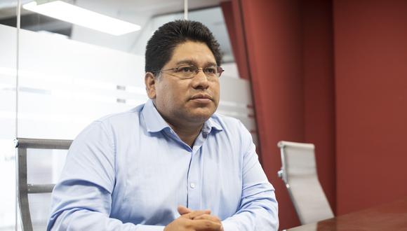 Rennán Espinoza indicó que en los próximos días se dará a conocer la decisión tras la revisión de las propuestas de los candidatos. (Foto: GEC)