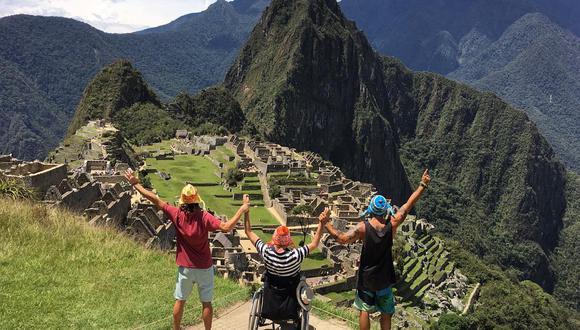Emiliano Bisson acompañó a Philip Stephens a cumplir su sueño de conocer Machu Picchu. (Instagram)