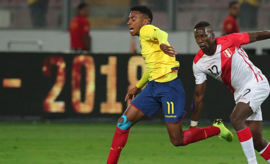 Luis Advíncula jugó todo el partido contra Ecuador y no vio acción contra Costa Rica. (Foto: EFE).
