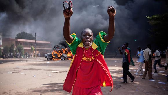 'Burkinabé Rising' es un documental dirigido por Iana Lee que sigue la historia de una comunidad de Burkina Faso (Difusión).