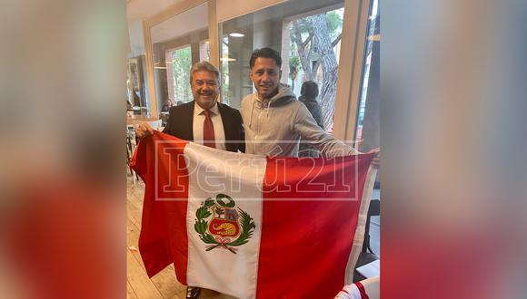 Gianluca Lapadula fue convocado por Ricardo Gareca, luego de mostrar su interés de jugar por Perú, así como iniciar los trámites para obtener su DNI y pasaporte peruano. Pronto se vestirá de blanquirrojo.