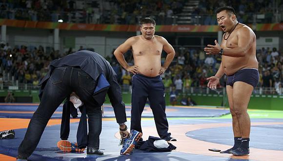 Ganzoriguiin Mandajnaran es el luchador mongol que no esperaba tal reacción por parte de sus adiestradores. (Reuters)