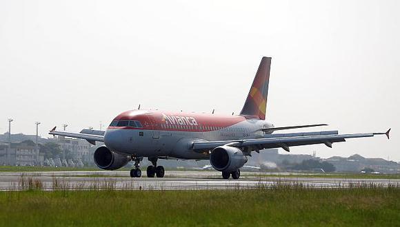 Avianca Brasil mantiene deudas millonarias con proveedores y concesionarios aeropuertos. (Foto: Reuters)<br>