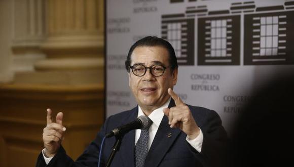 Ministro de Justicia, Enrique Mendoza, señala que hay malacia detrás de quienes cuestionan como irregular el indulto al ex presidente Alberto Fujimori. (Perú21)