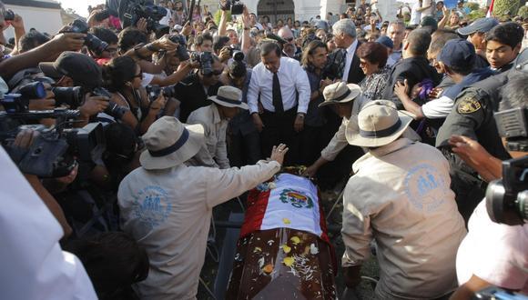 Óscar Avilés fue enterrado hoy en el Callao. (David Vexelman)