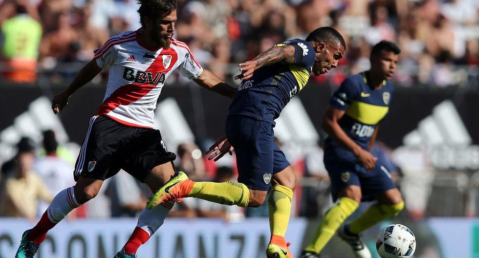 Carlos Tévez vuelve a enfrentar a River Plate como referente de Boca Juniors. (REUTERS)