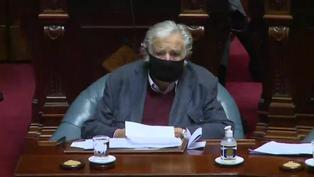 Uruguay: expresidentes Mujica y Sanguinetti dejan el senado