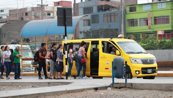 Los colectivos también funcionan ahí donde sí existe servicio y, además, al hacer tráfico, perjudican la operación del sistema generando mayor insatisfacción entre los pasajeros, señala la columnista.