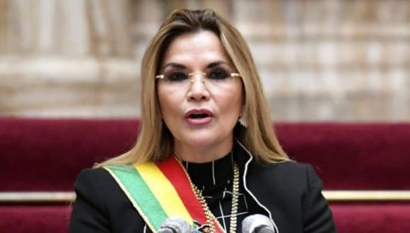 Jeanine Áñez, presidenta interina de Bolivia, felicita a Luis Arce por su triunfo electoral. (AFP).