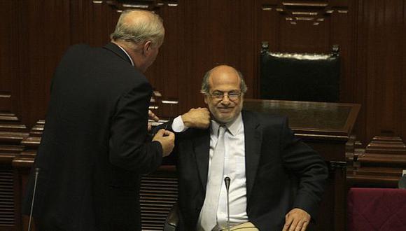 Abugattás aboga por un caso que ya fue liquidado en su momento. (Martín Pauca)