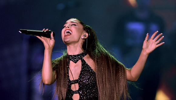 Ariana Grande confiesa estar muy enferma y podría suspender algunos conciertos. (Foto: AFP)