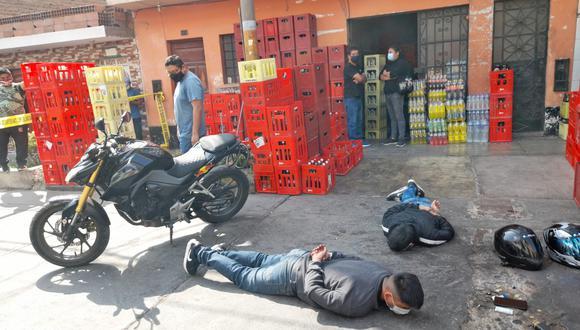 Los malhechores se disponían a robar un monto aproximado de 7 mil soles del local. Foto: Gonzalo Córdova/@photo.gec