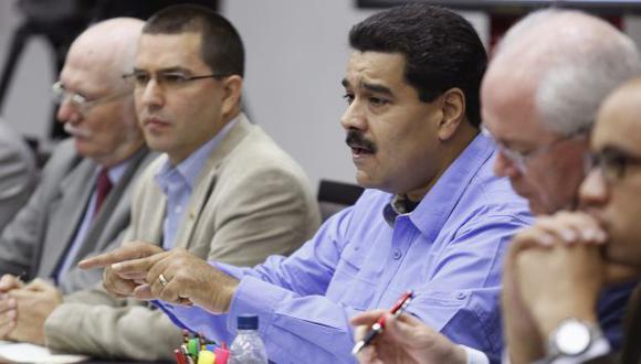 Nicolás Maduro pidió que se detenga a aquellos comerciantes que subieron los precios. (Reuters)