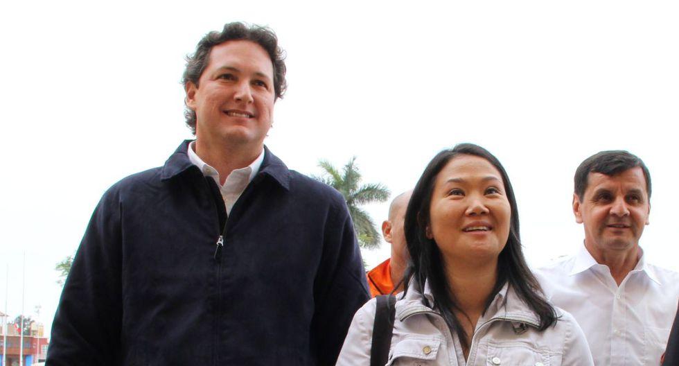 La lideresa de Fuerza Popular, Keiko Fujimori, saludó a Daniel Salaverry un par de horas después de terminadas las elecciones para la Mesa Directiva. (USI)