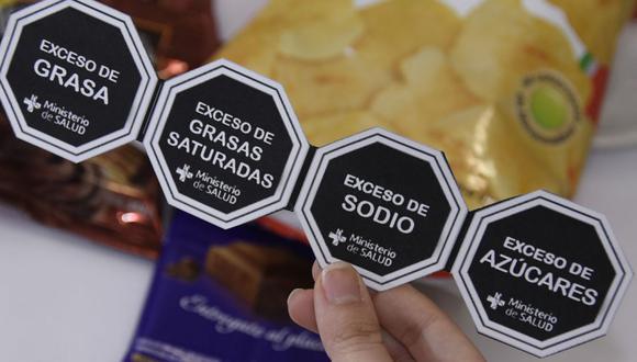 Presidente Vizcarra observó la Ley de Alimentación Saludable que elimina las advertencias octogonales. (Twitter/@drhuerta)