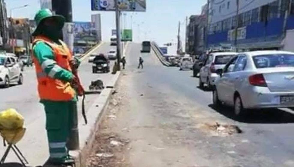 Arequipa: Trabajadora de limpieza espanta a vecinos sucios con un chicote.