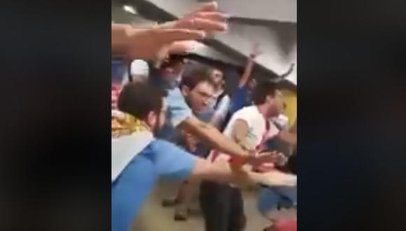 """Hinchas uruguayos y peruanos juntos: """"Un minuto de silencio...para Chile que está muerto"""". (Facebook)"""