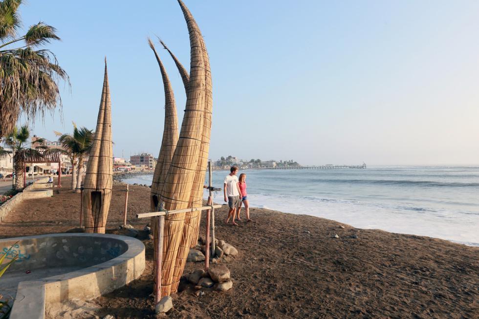 Huanchaco es una de las playas aptas para los bañistas.