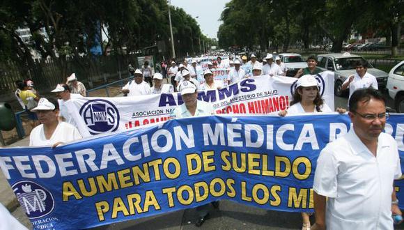 Médicos piden que se cumplan acuerdos. (Perú21)