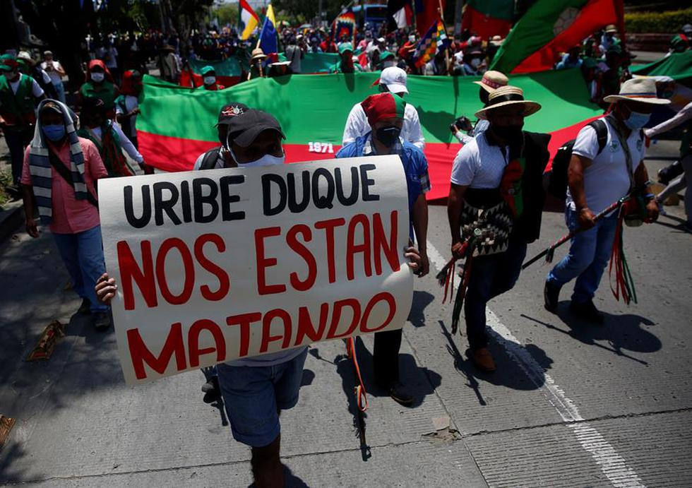 """La """"minga"""" indígena del suroeste de Colombia protestó este miércoles en la ciudad de Cali.  (Foto: EFE/ Ernesto Guzmán)"""