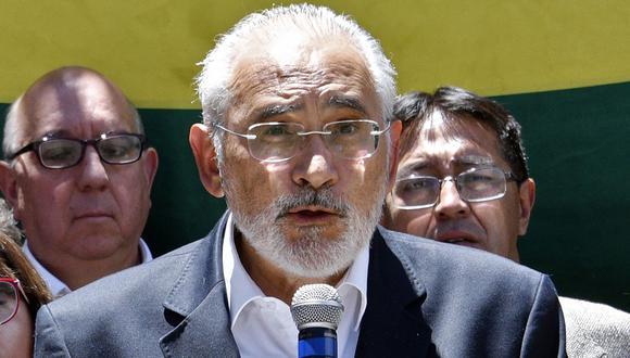 """Mesa llamó a los bolivianos a mantener una """"movilización ciudadana unida y activa, siempre en los marcos de la paz y la no violencia"""", hasta lograr """"la solución a la crisis"""". (Foto: AFP)"""