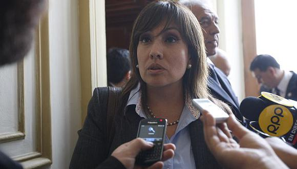 María Jara advierte que denunciará a quienes obstruyan el tránsito. (USI)