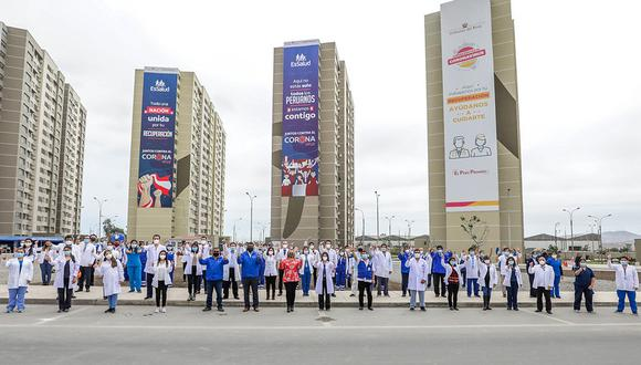 Médicos que luchan y han superado al COVID-19 fueron homenajeados en la Villa Panamericana (Foto: EsSalud)