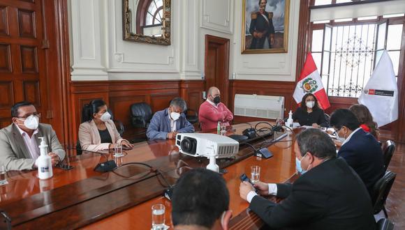 La premier recibió a los congresistas de Fuerza Popular en la sede de la Presidencia del Consejo de Ministros. (Foto: PCM)