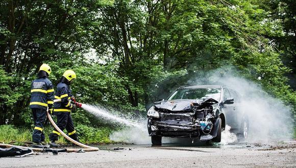 Realiza el mantenimiento de tu coche de acuerdo al kilometraje que haya alcanzado. Respeta las especificaciones del fabricante para mantener siempre segura tu marcha y la vida de tu vehículo.