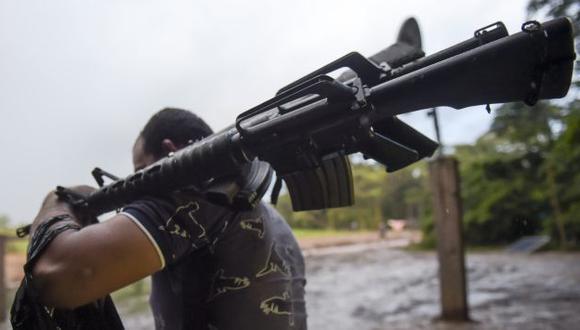 Las FARC entregan hoy todas sus armas y dejarán de existir. (AFP