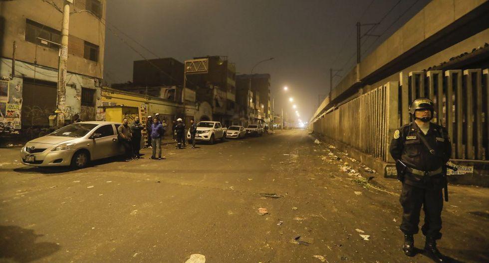 Este lunes se realizó una operación de limpieza y desalojo de ambulantes en la avenida Aviación. (Foto: MML)
