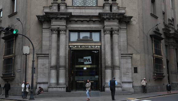 Este martes, en la bolsa peruana se cotizaron acciones de 43 empresas, de las que 23 subieron, 12 bajaron y 8 se mantuvieron estables. (Foto: GEC)