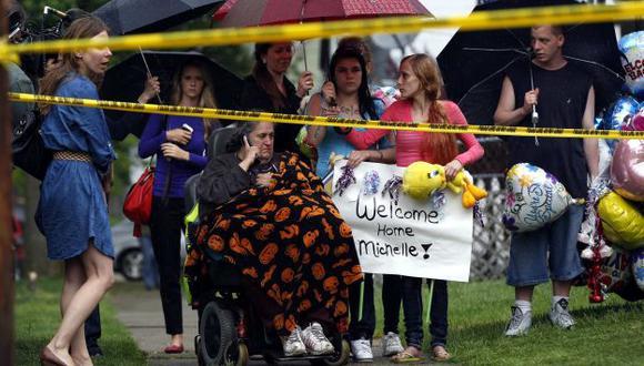 Bienvenida trunca. Michelle Knight no quiso recibir a sus familiares y no se conoce su paradero. (Reuters)