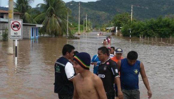 Aguaceros provocan inundaciones y desbordes de ríos.