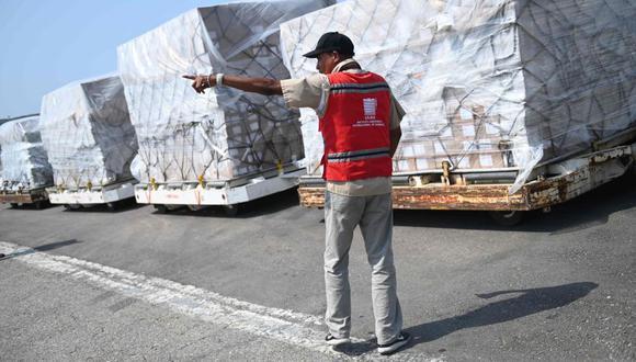 Representante de Juan Guaidó dice que metieron 800 toneladas de ayuda en Venezuela. (AFP)