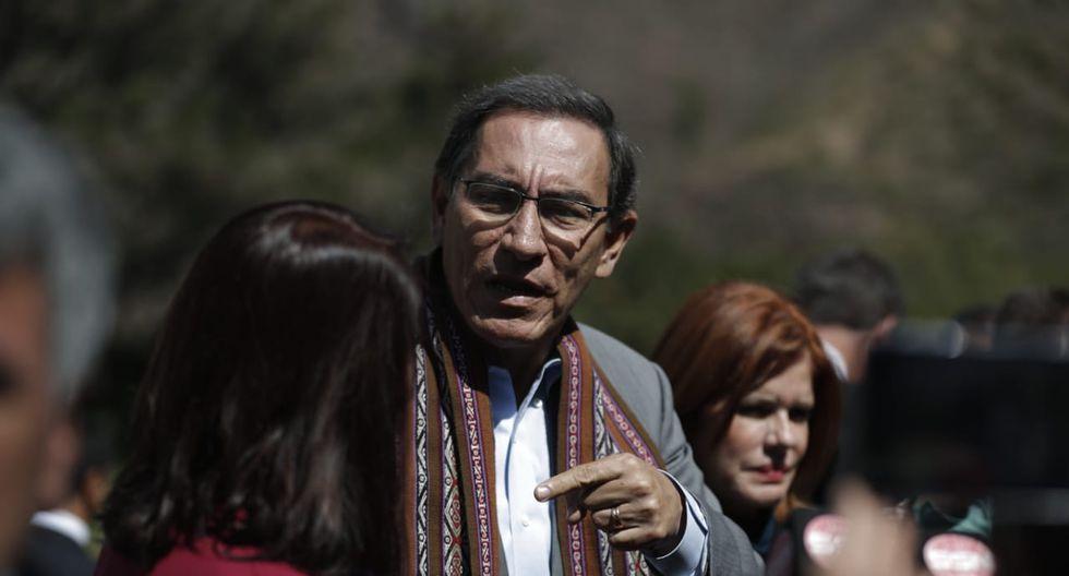 Martín Vizcarra firma declaración por una alimentación para siempre en Urubamba, Cusco. (Fotos: Renzo Salazar/GEC)