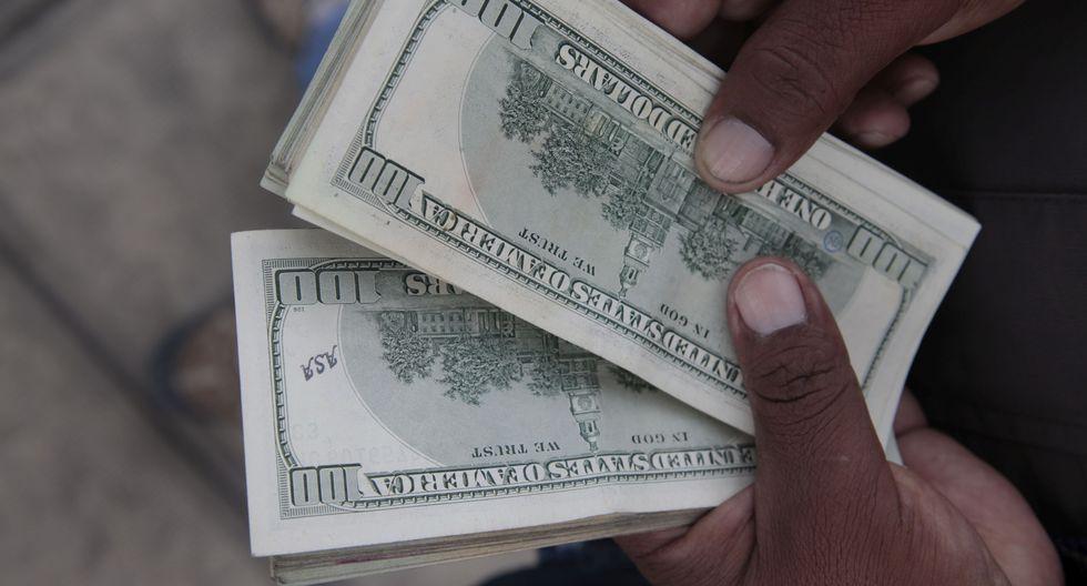 Durante la jornada, el dólar se ubicó en los S/ 3.331 porque algunos bancos locales vendieron divisas en medio del avance de los mercados globales. (Foto: GEC)