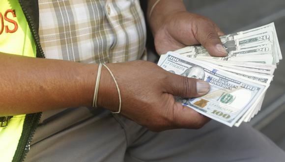 En el mercado paralelo o casas de cambio de Lima, el tipo de cambio se cotiza a S/ 3.483 la venta. (Foto: GEC)