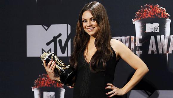 Mila Kunis dice que Ashton Kutcher complace todos sus antojos. (Reuters)