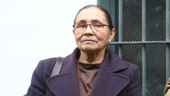 Doña Elena siguió protestando. (Perú21)