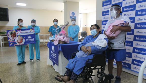 Bebés mellizos prematuros que nacieron durante la pandemia fueron dados de alta (Foto: EsSalud).